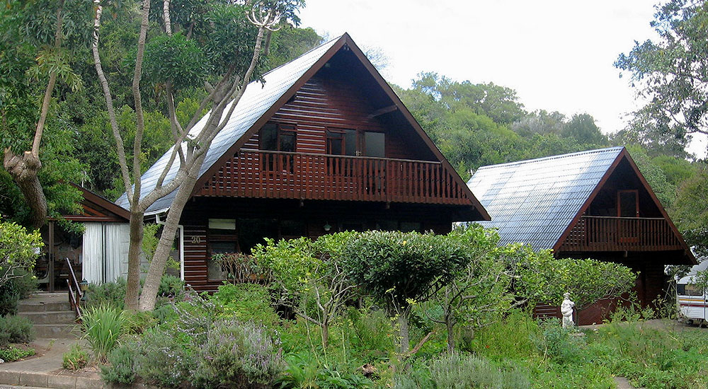 Cabins with private balcony at Bed in Bush